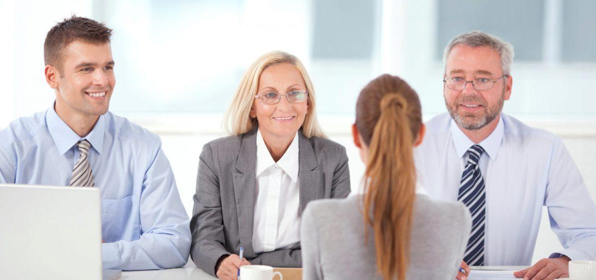 Trình bày thông tin cá nhân của bạn cho nhà tuyển dụng