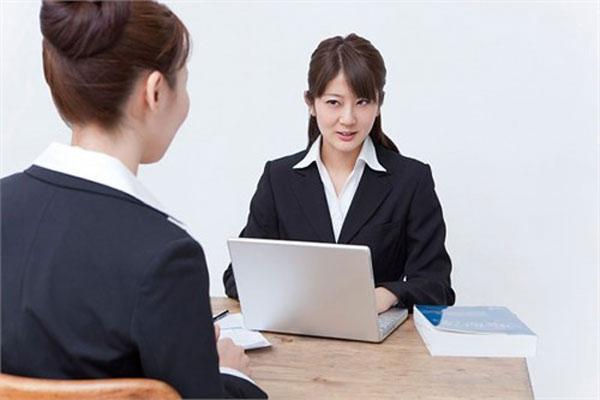 nhà tuyển dụng xem gì trong hồ sơ xin việc