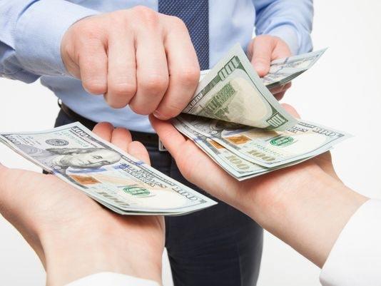 tiền lương cho nhân viên