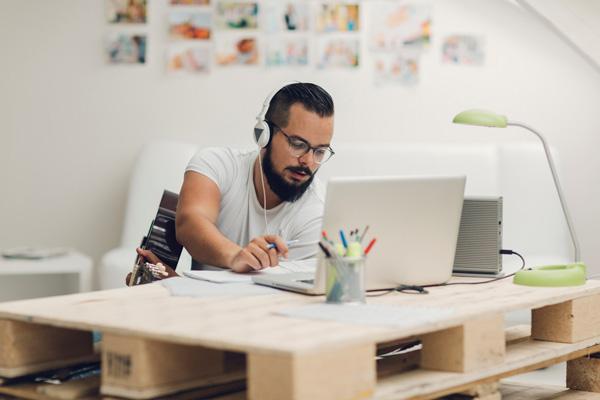 Top 5 việc làm thú vị không cần bằng cấp