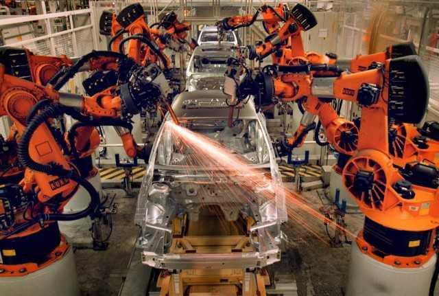 su-dung-robot-thay-the