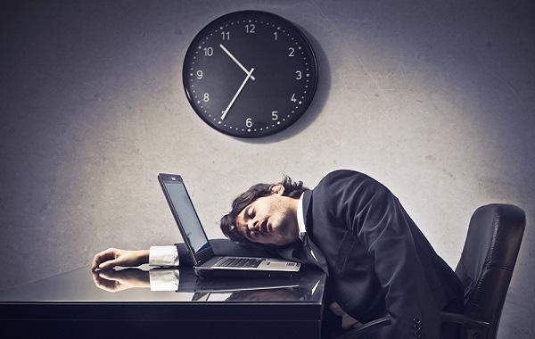 8 dấu hiệu nhận biết nhân viên lười nhác và cách đối phó