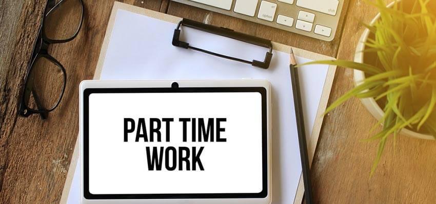 Làm việc hai công việc bán thời gian thay vì Full time