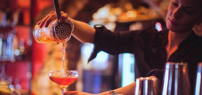 Bartender là gì? Làm thế nào trở thành Bartender