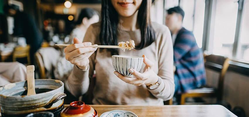 Cách xử lí trên bàn ăn của người Nhật