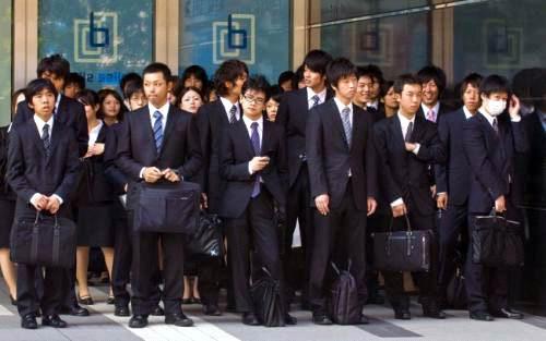 Cách ăn mặc khi làm ở công ty Nhật